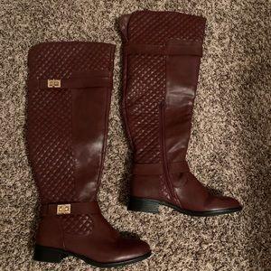👀 burgundy ridding boots!! 8.5 🍁
